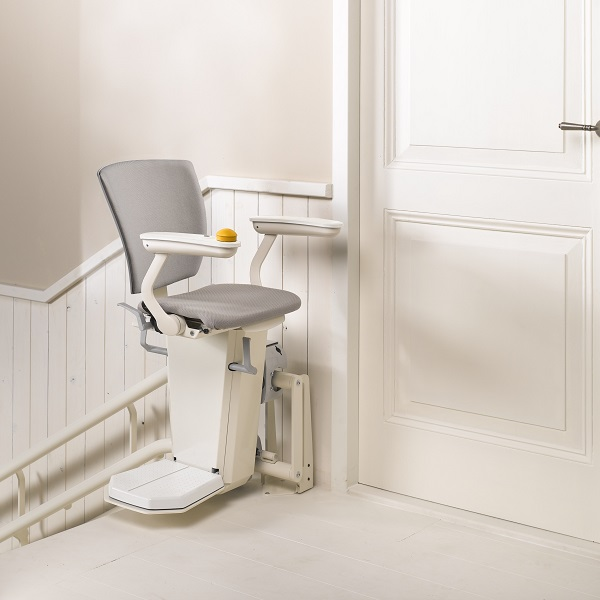 Swivel seat on Otolift curved stairlift