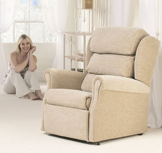 Primacare Brecon rise/recline chair